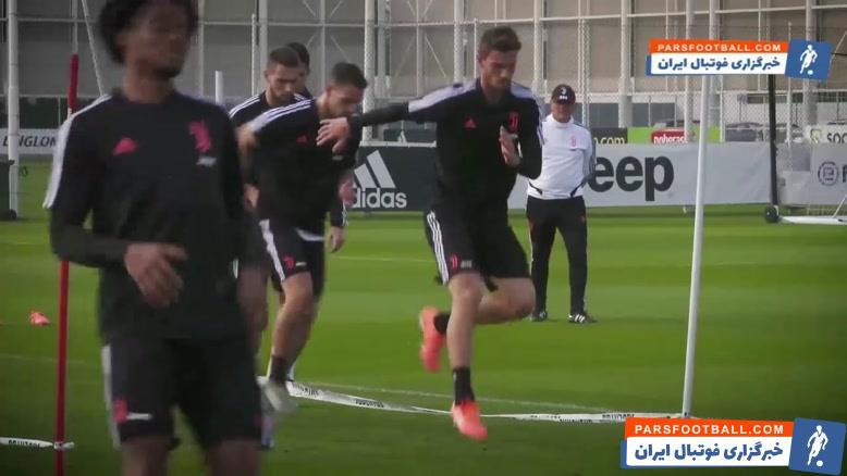 تمرین بازیکنان یوونتوس قبل از دیدار برابر جنوا در سری آ