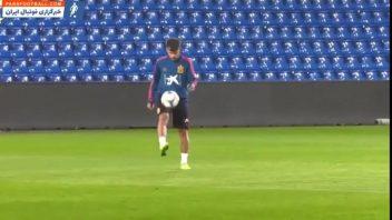 چالش حفظ توپ از فاصله چهل متری در تمرینات تیم ملی اسپانیا