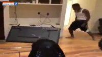 بسکتبال ؛ حمله یک طرفدار به تلویزیون بعد از شکست تیم محبوبش ؛ خبرگزاری پارس فوتبال