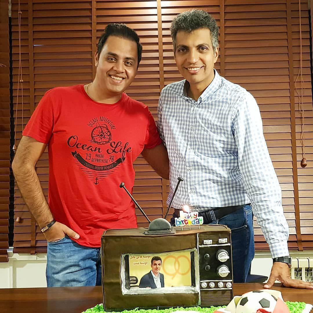 تصویری از کیک تولد 45 سالگی عادل فردوسی پور