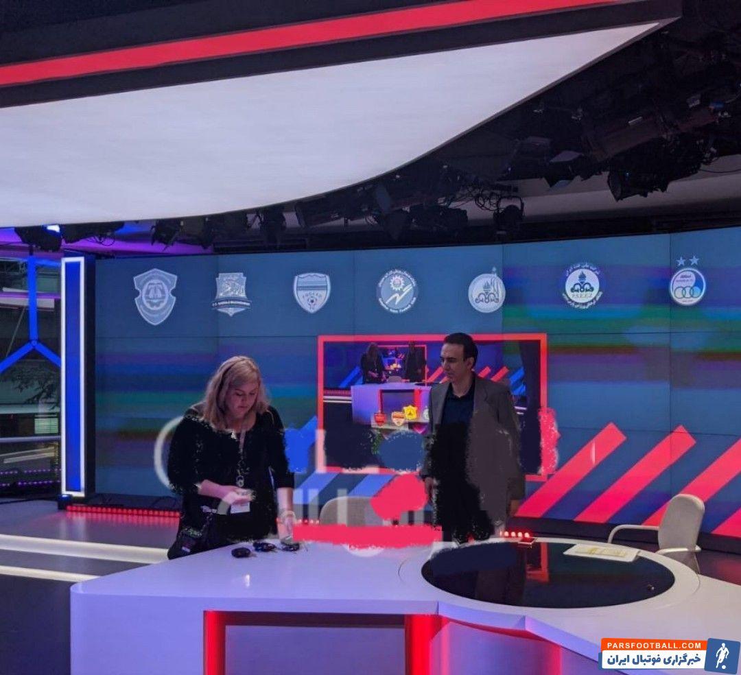 مزدک میرزایی گزارشگر سابق شبکه سه تلویزیون ایران است مزدک میرزایی دور جدید از فعالیت خود را در شبکه ای ماهواره ای آغاز می کند.