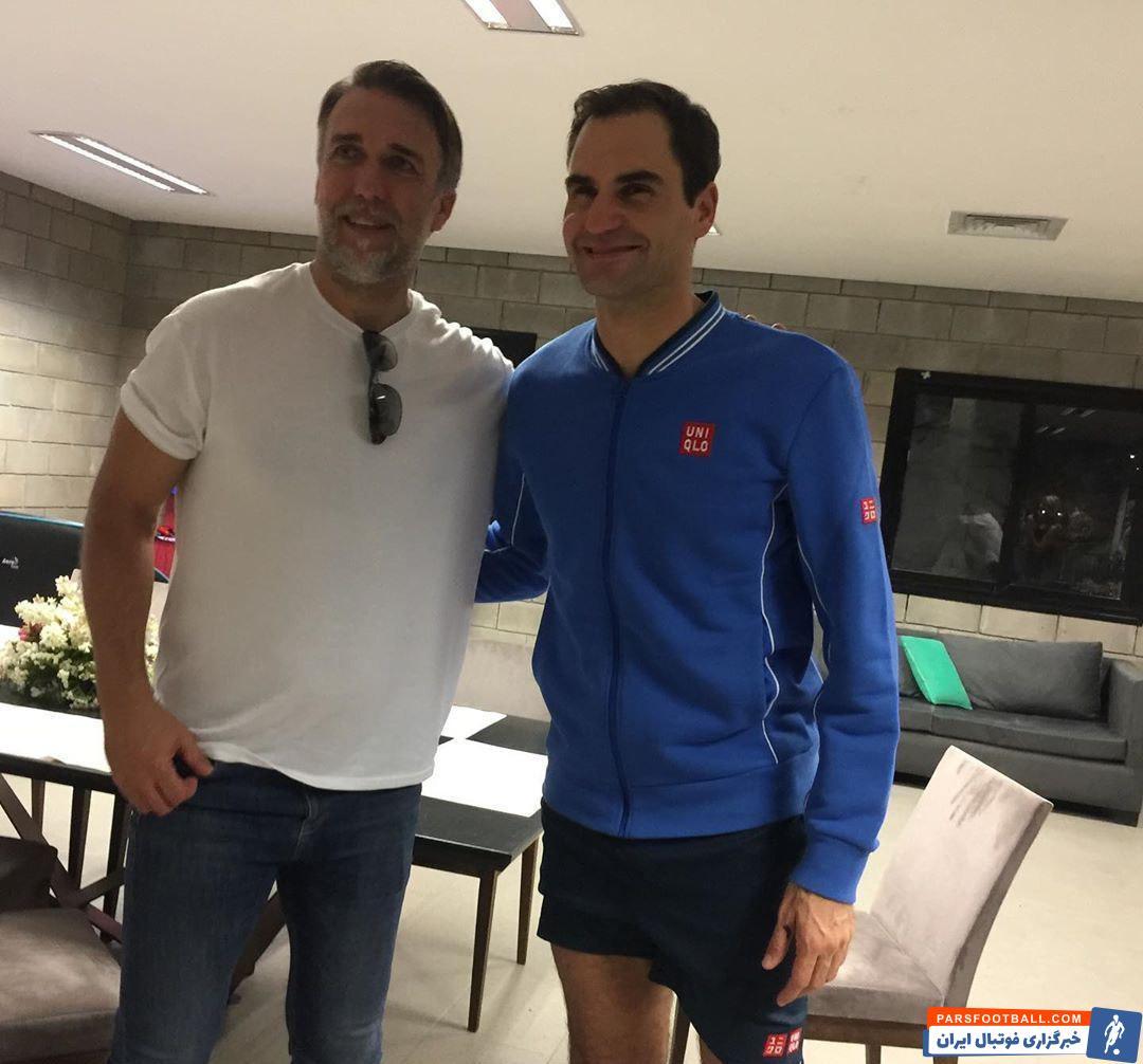 راجر فدرر اسطوره سوئیسی تنیس در آرژانتین حضور پیدا کرد تا راجر فدرر  در دیداری نمایشی به مصاف الکساندر زِورف آلمانی برود.