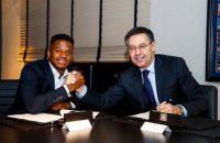 آنسو فاتی قرارداد خود را تا سال 2022 با بارسلونا تمدید کرد و مبلغ فسخ قرارداد از 100 میلیون یورو به 170 میلیون یورو افزایش پیدا کرد.
