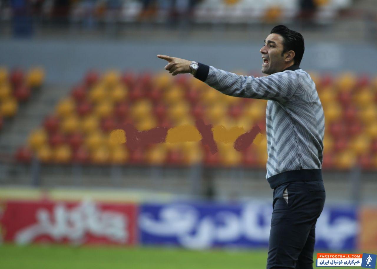 تیم فولاد با جواد نکونام موفق شد روی غفلت دروازهبان و مدافعین حریف در دقیقه 12 سه امتیاز بازی را مال خود کند و امتیازاتش را به عدد 23 برساند.