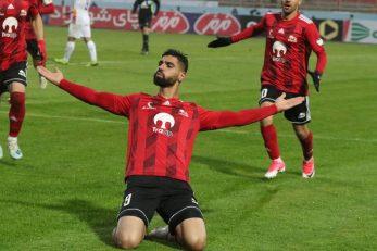 تراکتور ؛ شادی رضا اسدی پس از گلزنی برابر فولاد در ورزشگاه یادگار امام