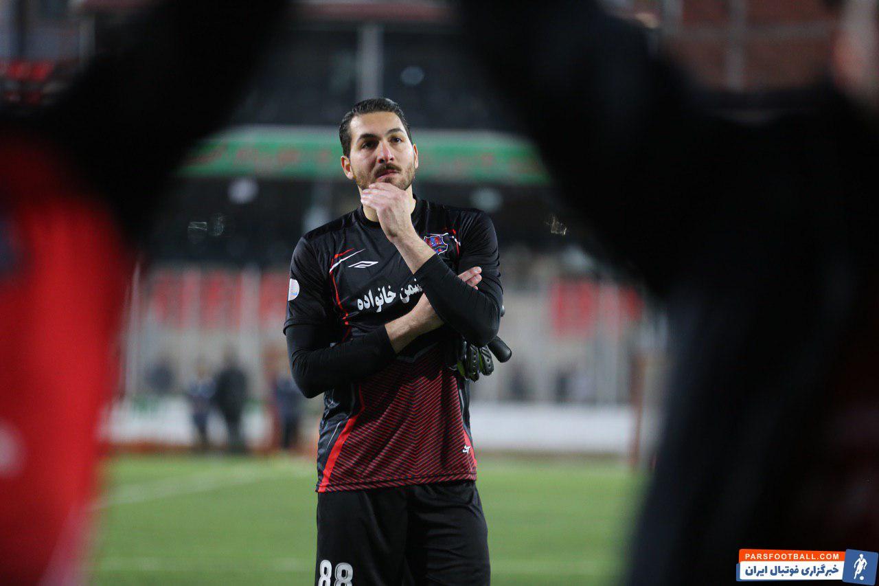 علیرضا حقیقی بعد از درخشش در جام جهانی 2014 با یک انتخاب بد نیمکت نشین شد و همین موجب شد تا دروازه تیم ملی را از دست بدهد.