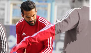 مسعود شجاعی دوباره در روزهای سخت و خاکستری گرفتار شده اما تجربه غلبه بر چنین وضعیتی در اسپانیا، یونان، قطر، امارات و حتی ایران، کمک میکند تا او دوباره به شرایط خوب قبلی بازگردد.