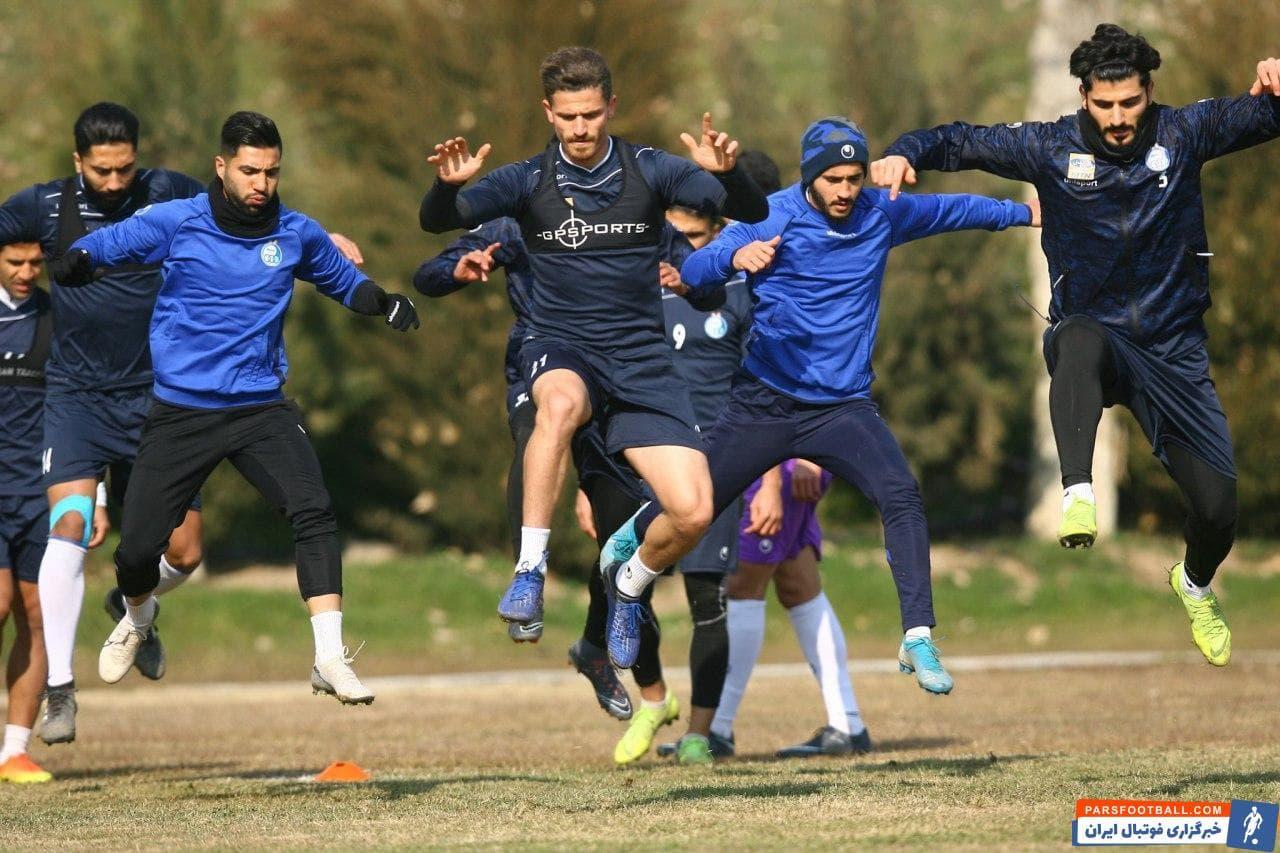 بازیکنان استقلال بعد از پیروزی برابر پدیده  توانستند صدرجدول را در اختیار بگیرند اما دقیقا بعد از این بازی  استراماچونی قراردادش را فسخ کرد.