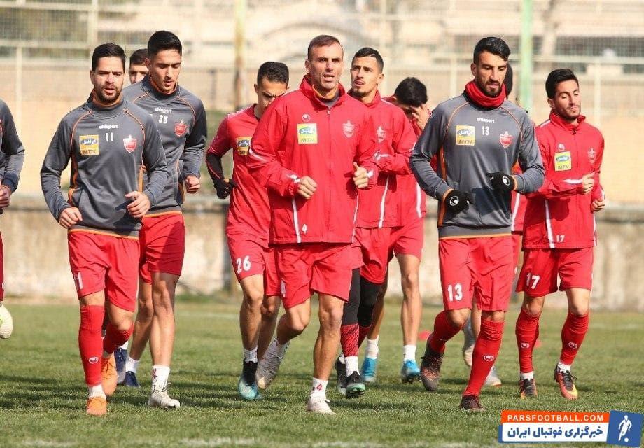 حسین ماهینی دفاع راست تیم پرسپولیس در شرایطی در لیست مازاد قرار گرفت که کمتر کسی تصور این تصمیم را از سوی باشگاه پرسپولیس داشت.