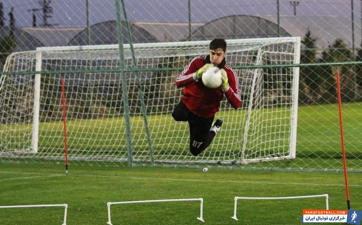 محمدرضا اخباری یکی از دروازه بان های باتجربه فوتبال ایران است که سابقه پوشیدن پیراهن تیم ملی در زمان کارلوس کی روش را هم دارد.