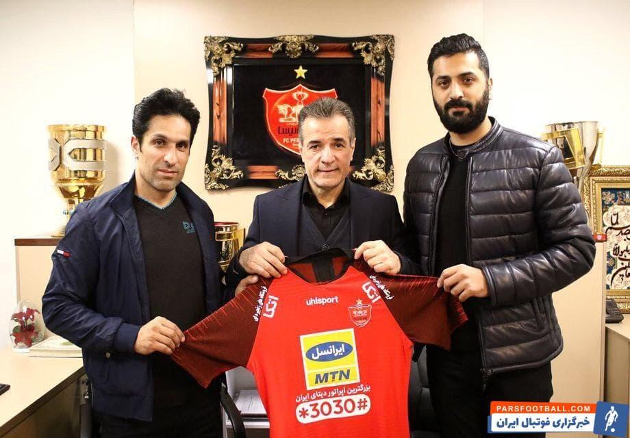 با توجه به جدایی گابریل کالدرون و حضور یحیی گل محمدی به عنوان سرمربی جدید سرخپوشان پرسپولیس ، کادرفنی جدید این تیم نیز قراردادشان را به امضا رساندند.