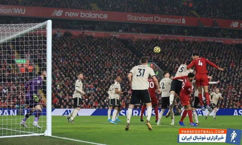 لیورپول امشب در استادیوم آنفیلد میزبان منچستریونایتد بوده و در 30 دقیقه ابتدایی با تک گل ویرژیل فن دایک مدافع باکیفیت از رقیب دیرینه پیش افتاده است.