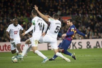 تک گل بارسا را لیونل مسی به ثمر رساند تا در صدر جدول گلزنان با 14 گل جایگاهش را مستحکم تر کند مسی حالا در همه رقابت ها 17 گل برای بارسا به ثمر رسانده.