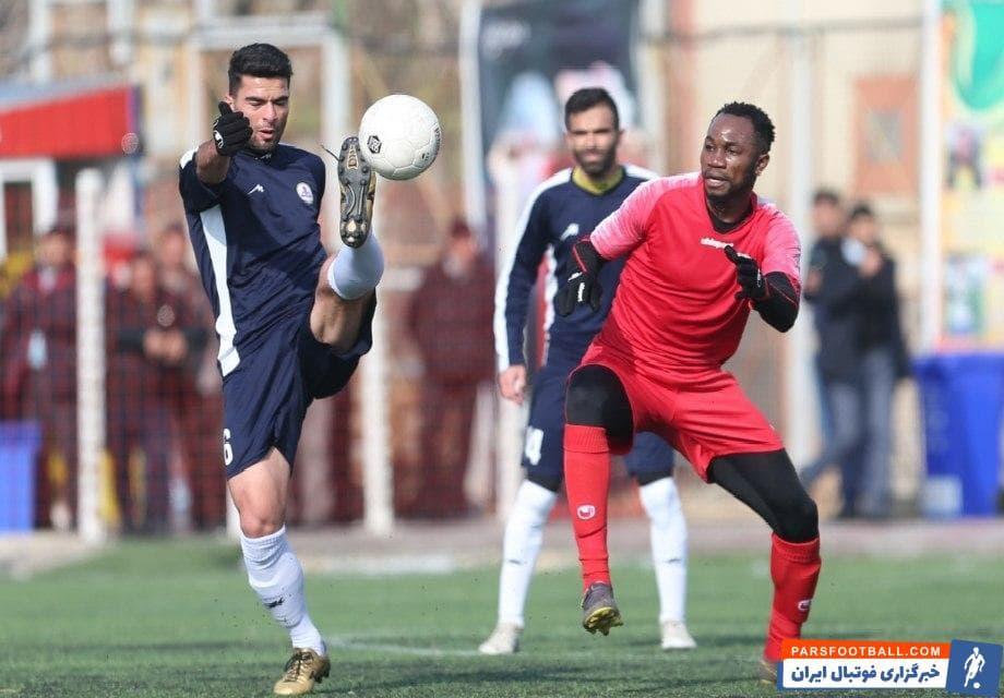 اوساگوآنا فصل گذشته تنها یک گل در لیگ برتر زد و حالا پرسپولیسی ها امیدوارند این بازیکن نیجریایی بتواند عملکرد بهتری را در مسابقات داخلی از خود نشان دهد.