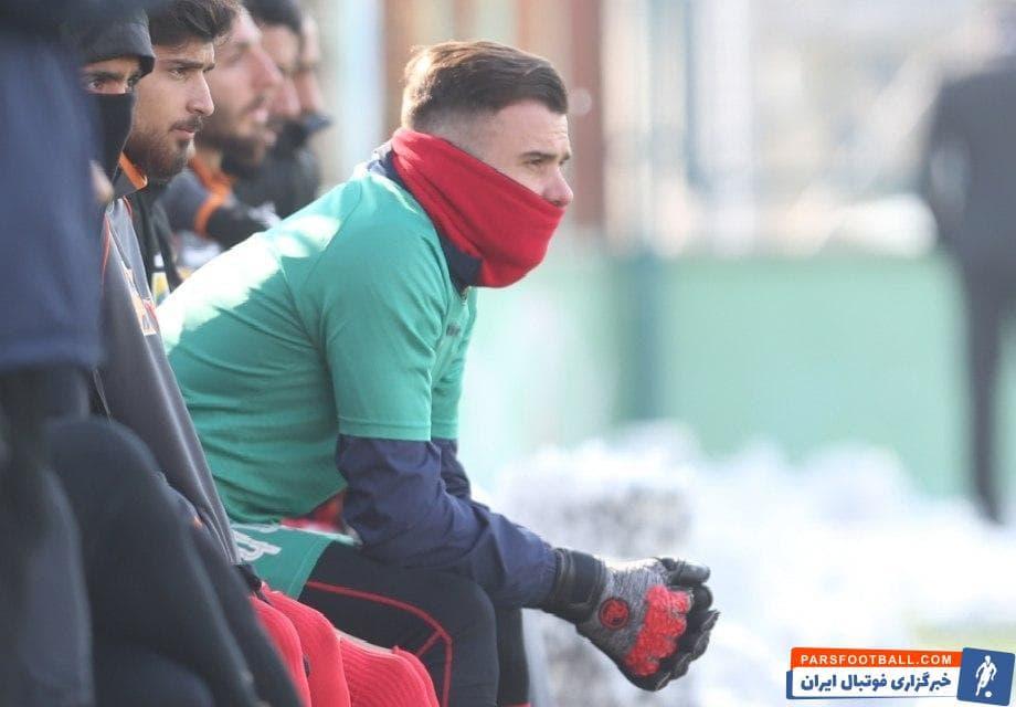 بوژیدار رادوشوویچ دروازهبان کروات تیم پرسپولیس در نیمه دوم بازی دوستانه با نفت مسجدسلیمان به میدان رفت و موفق به ثبت کلین شیت شد.