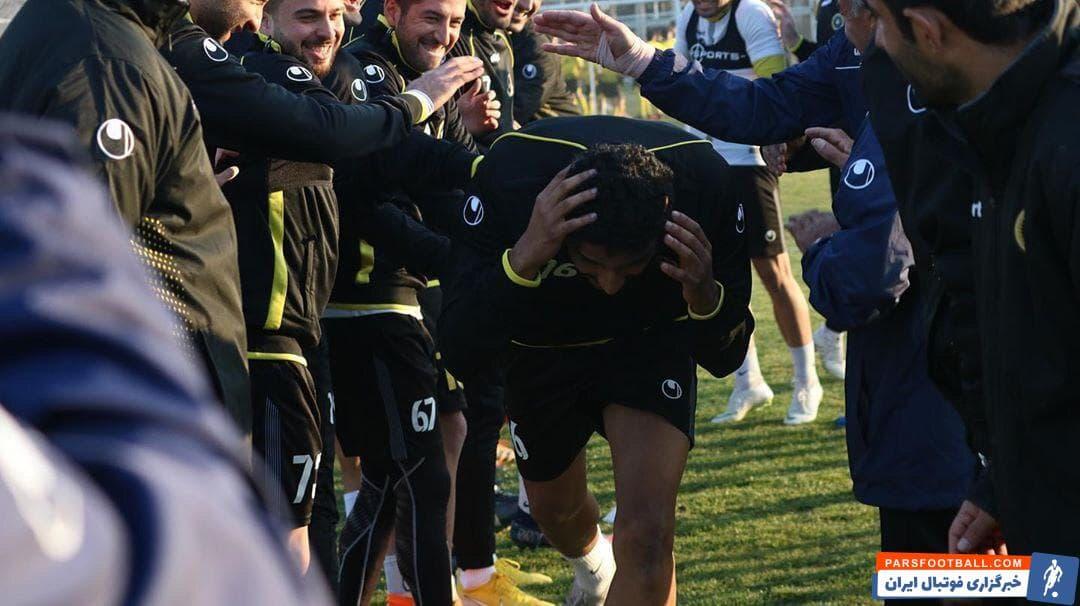 محسن الغسانی چهارمین خرید سپاهان در پنجره زمستانی بود محسن الغسانی پس از عقد قرارداد رسمی از امروز و با استقبال بازیکنان، تمرینات خود را با تیم آغاز کرد.