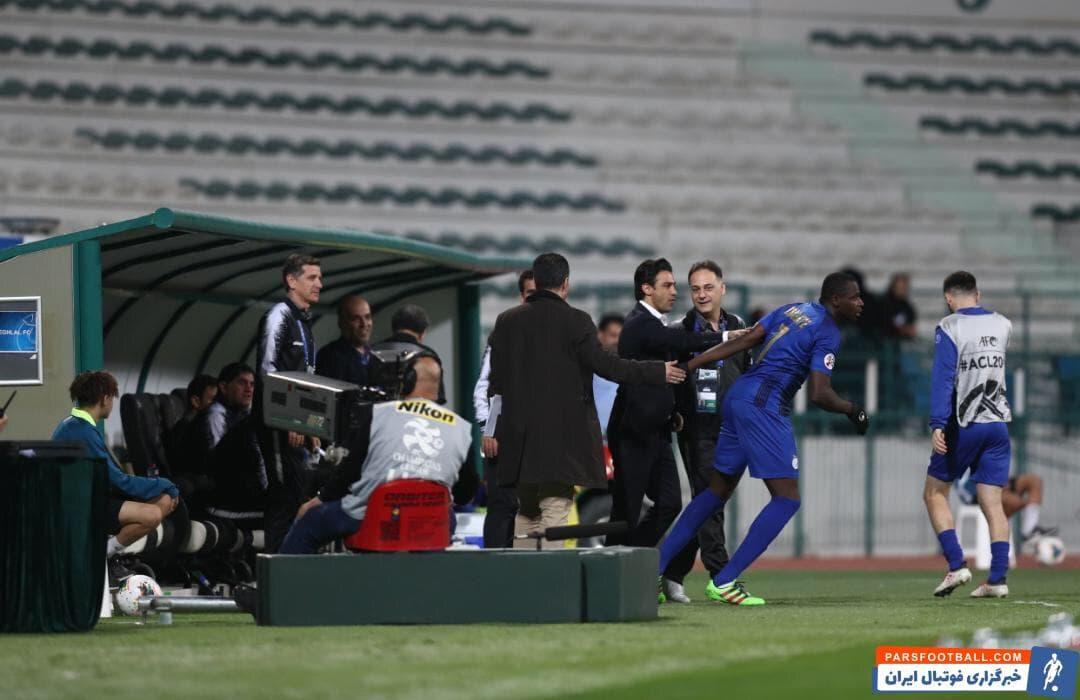 شیخ دیاباته مهاجمی که در نیم فصل اول 8 گل برای استقلال زده بود و حفظ شیخ دیاباته یکی از مهمترین خواستههای هواداران استقلال از باشگاه بود.
