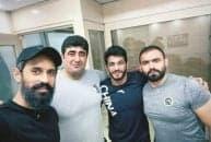 سعید معروف کاپیتان تیم ملی والیبال ایران در آستانه اعزام تیم ملی به کشور چین برای حضور در رقابتهای انتخابی المپیک، از حسن یزدانی ملی پوش عیادت کرد.