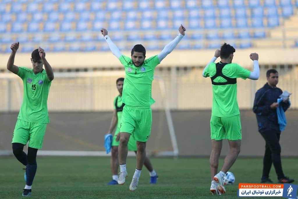 عارف غلامی بازیکنی است که بعد از پشت سر گذاشتن یک مصدومیت نسبتا طولانی از 2 روز گذشته به تمرین گروهی استقلال اضافه شده است.