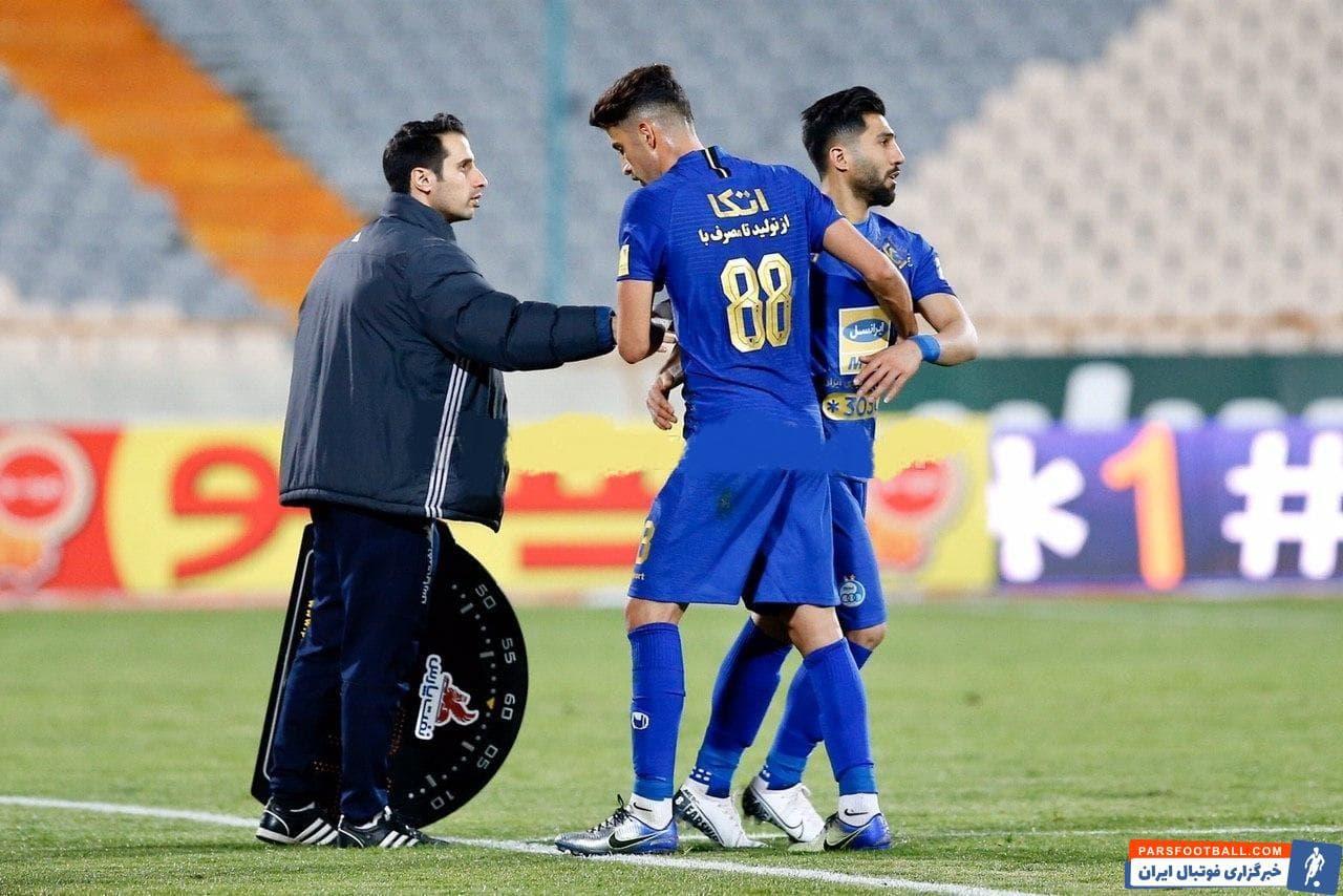 آرش رضاوند بازیکنی است که بعد از پشت سر گذاشتن هفته های اولیه حضور در استقلال حالا به مهره ای قابل اتکا در ترکیب آبی ها تبدیل شده است.