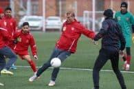 جلال حسینی سیدجلال حسینی کاپیتان تیم پرسپولیس پس از پشت سر گذاشتن آسیب دیدگی خود، با آمادگی بالا در تمرینات حضور پیدا کرده است.