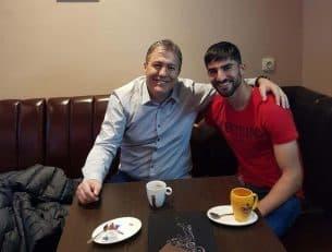 اسکوچیچ در ادامه بازدیدهایش از بازیکنان ایرانی شاغل در اروپا، به ملاقات میلاد محمدی رفت تا وضعیت این بازیکن را از نزدیک جویا شود.