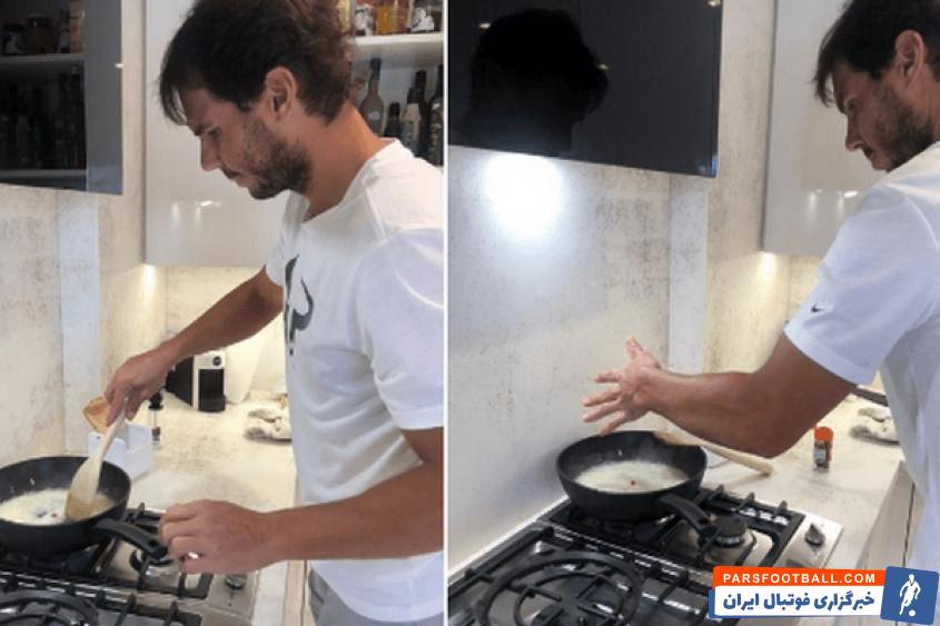 رافائل نادال مرد شماره 2 تنیس جهان عکسی را از آشپزی خود در خانه منتشر کرد و از مردم جهان خواست تا به دلیل نگرانی از شیوع ویروس کرونا در خانه بمانند.