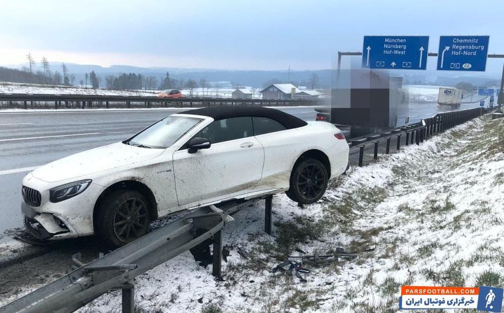 ژروم بواتنگ نتوانست اتومبیلش را درست کنترل کند و به طرز عجیبی به روی گاردریل رفت. حدود ۲۵ هزار یورو به خودروی ژروم بواتنگ خسارت وارد شده است.