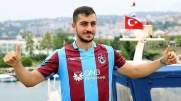 مجید حسینی ؛ مدیر عامل باشگاه حال حاضر مجید حسینی خبر از تمدید قرارداد این بازیکن داد