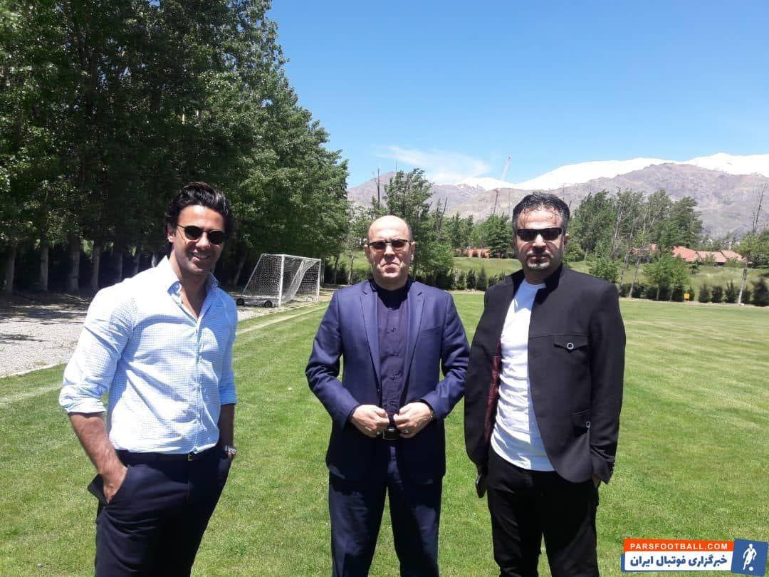 بعد از شایعات مختلفی که در مورد دلخوری فرهاد مجیدی از احمد سعادتمند به وجود آمده بود امروز این 2 در ورزشگاه انقلاب با هم دیدار کردند.
