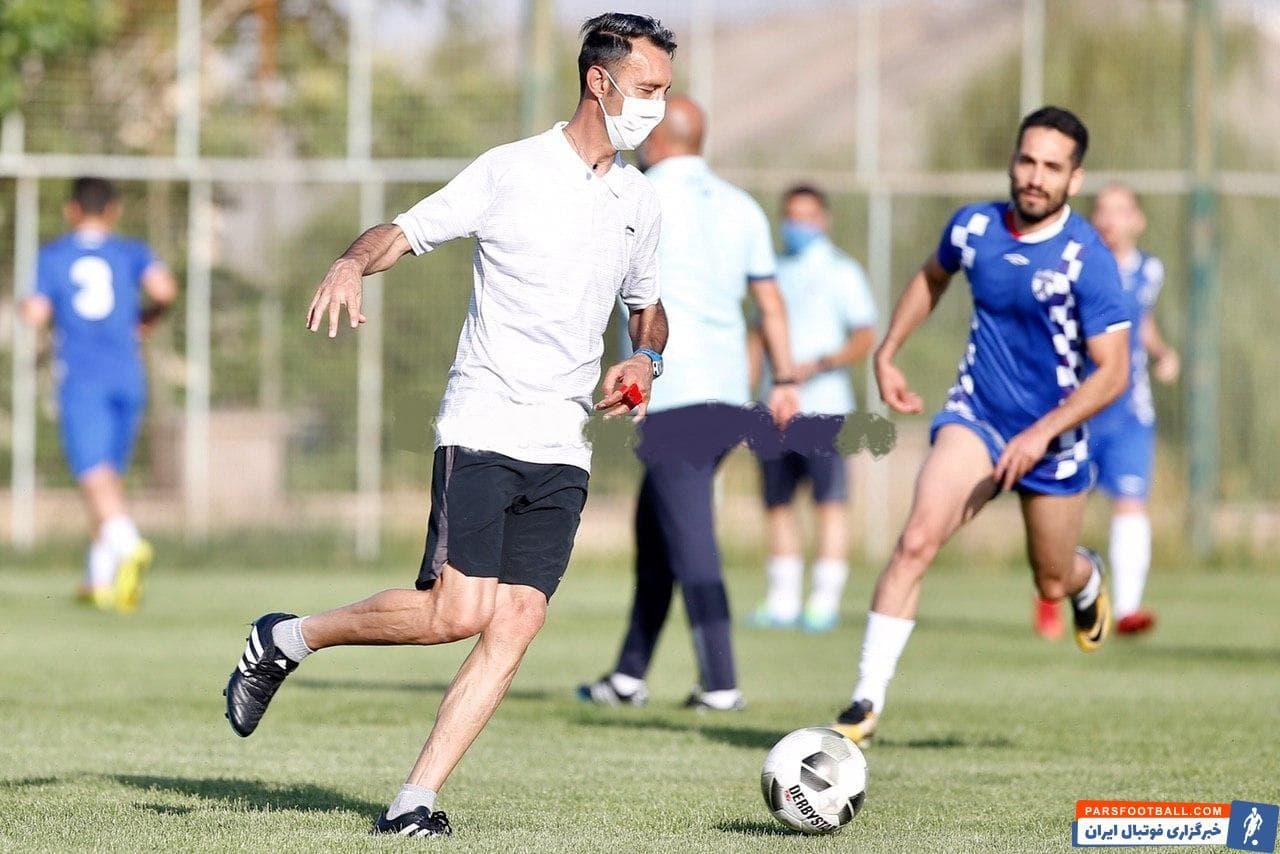 رضا عنایتی سرمربی باشگاه هوادار است که در نیم فصل دوم هدایت این تیم را برعهده گرفته است و در این مدت تیمش در 8 بازی شکستی را تجربه نکرده است.