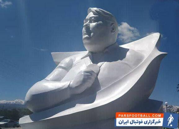 مراسم رونمایی از تندیس زنده یاد سیامند رحمان ، قهرمان ارزنده وزنه برداری پارالمپیک ایران و جهان، ظهر امروز در زادگاهش برگزار شد.