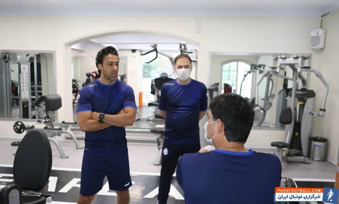در تمرین بدنسازی این روزهای تیم هم، بدنساز استقلال فشار زیادی به بدن بازیکنان وارد آورده و فرهاد مجیدی به دقت عملکرد او و شاگردانش را زیرنظر داشته است.