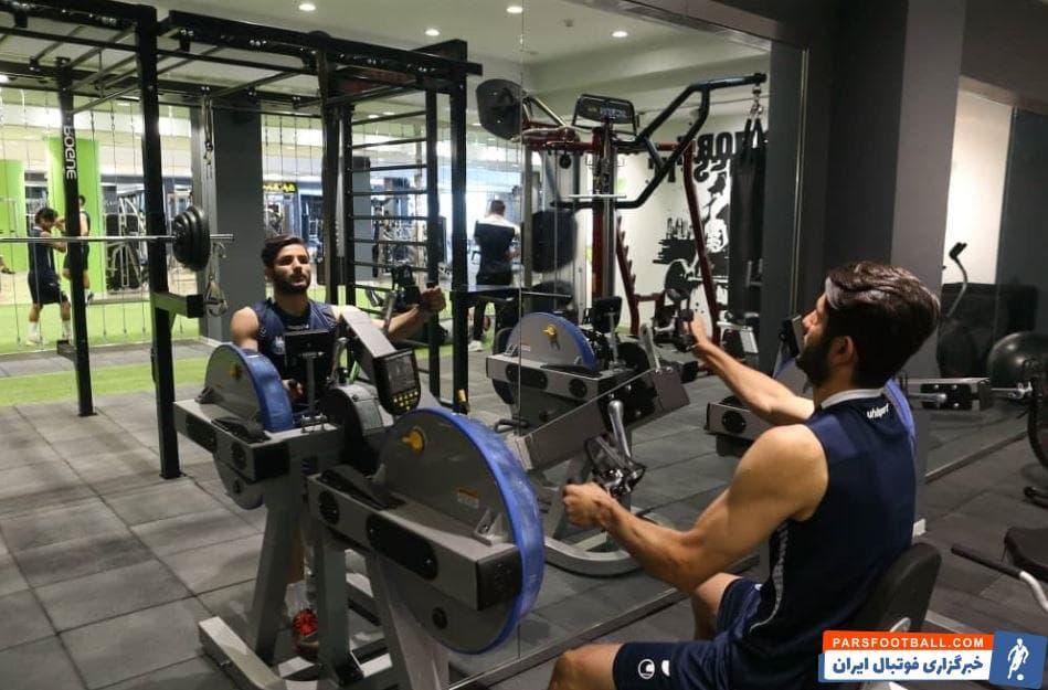 عارف غلامی بازیکنی است که در این فصل با استقلال قرارداد امضا کرده است و در سن 22 سالگی به یکی از ارکان اصلی دفاع سه نفره استقلال تبدیل شده است.