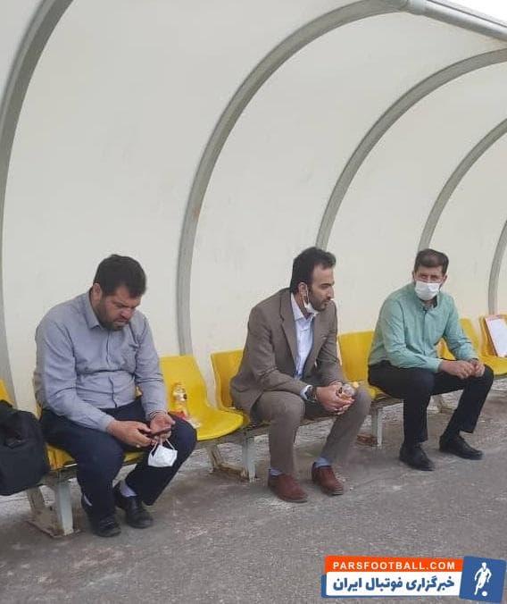 جواد محمدی مدیرعامل باشگاه ذوب مهان تمرین ذوبی ها بود در بخشی از تمرین جواد محمدی و معاون باشگاه نیز حضور داشتند.