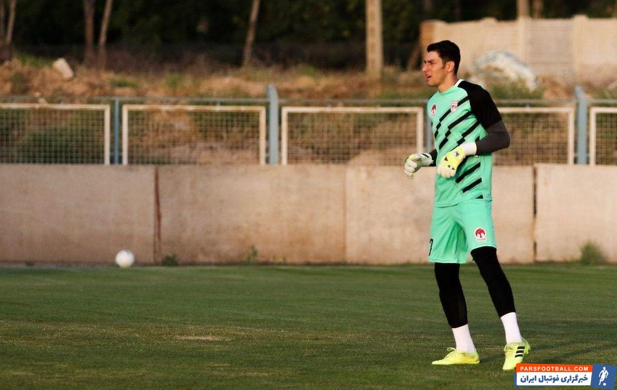 محمدرضا اخباری یکی از بازیکنهایی است که به واسطه چند سال حضور در تراکتور محبوبیت زیادی نزد هواداران آذربایجانی دارد و آنها لقب قارتال را به او داده اند.