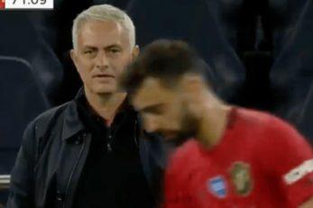 یکی از هواداران تاتنهام توئییت کرد:« مورینیو قصد دارد روی اعصاب برونو برود»،یک هوادار دیگر هم توئیت کرد:« درست دیدم؟ مورینیو به پرتغالی چیزی به برونو گفت؟»