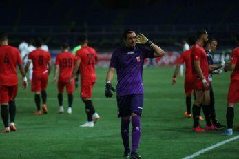 مهدی رحمتی دروازهبان شهرخودرو با درخشش برابر ذوبآهن عصای دست سرمربی تیمش برای اولین پیروزی پس از بازگشایی لیگ شد.