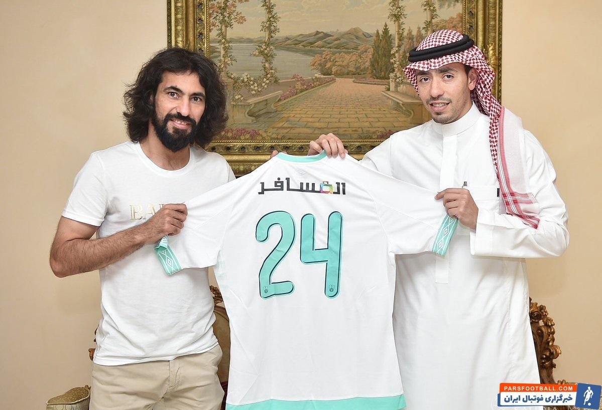 نشریه «الریاضیه» عربستان خبر داد حسین عبدالغنی ، مدافع سابق تیم ملی با مسئولان الاهلی برای تمدید قراردادش به توافق نهایی رسید.