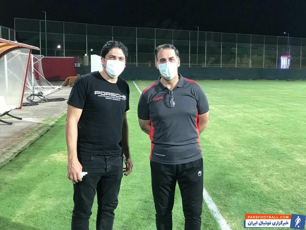 سعید آذری مدیرعامل باشگاه فولاد علیرغم گرمای و شرجی هوا در تمامی تمرین حاضر بود و عملکرد شاگردان نکونام را نظاره کرد.