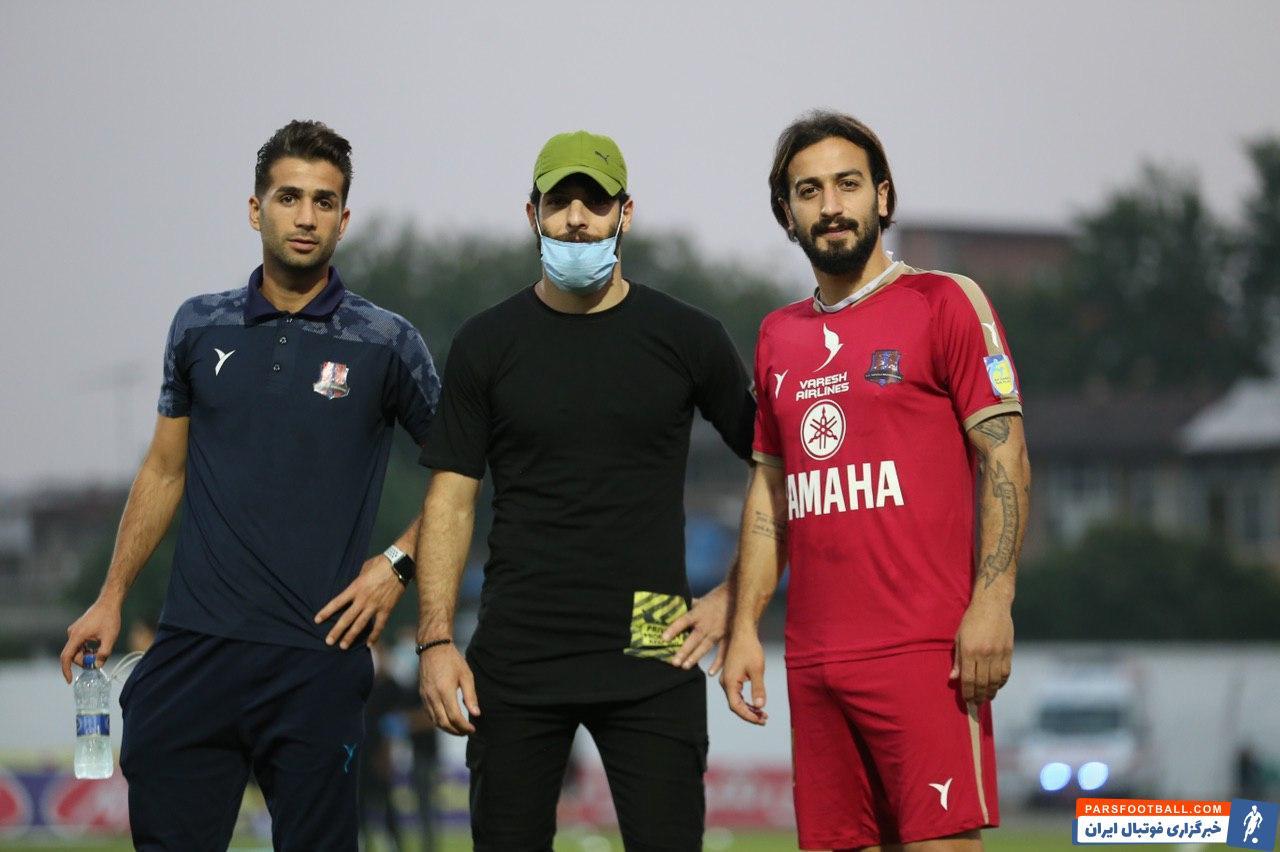 محمد عباس زاده گه به دلیل مصدومیت در اردوی تیم حاضر نشد دیشب با حضور در استادیوم شهید وطنی قا ئمشهر از نزدیک نظاره گر بازی نساجی در برابر فولاد شد.