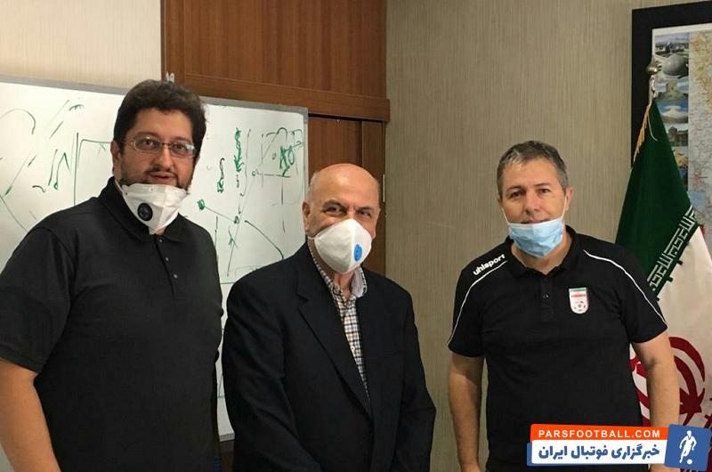 اگر اسکوچیچ تصور می کند با دیدن چند بازی لیگ، نامه نگاری با مربیان ایرانی برای تعامل بیشتر و دیدار با هومن افاضلی می تواند گره ای از مشکلات فوتبال ایران باز و راه حل صعود به جام جهانی را پیدا کند سخت در اشتباه است.