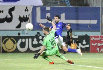 احمد موسوی سیداحمد موسوی در حالی این گل زیبا را با فرار دیدنی خود به ثمر رساند، سیرجانی به شدت به سه امتیاز بازی مقابل قهرمان زودهنگام لیگ نیاز دارند.