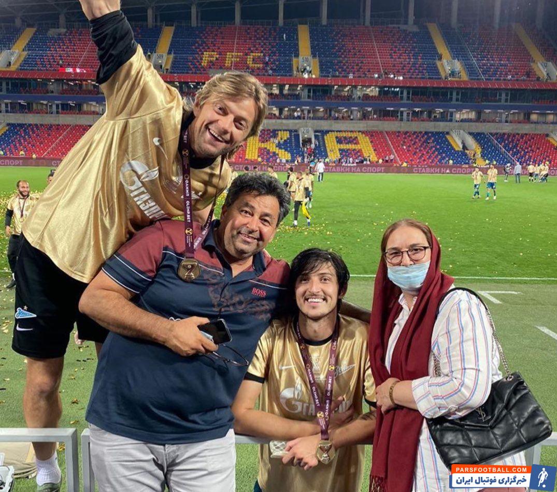 سردار آزمون در این رقابت، در ترکیب ثابت زنیت حضور داشت که موفق به گلزنی نشد. ستاره ایرانی در کنار پدر و مادرش قهرمانی زنیت را جشن گرفت.