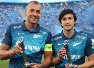 جایزه آقای گلی لیگ روسیه در فصل ۲۰۱۹/۲۰ پیش از دیدار زنیت با زسکا مسکو به سردار آزمون و آرتم زیوبا همبازی او اهدا شد.