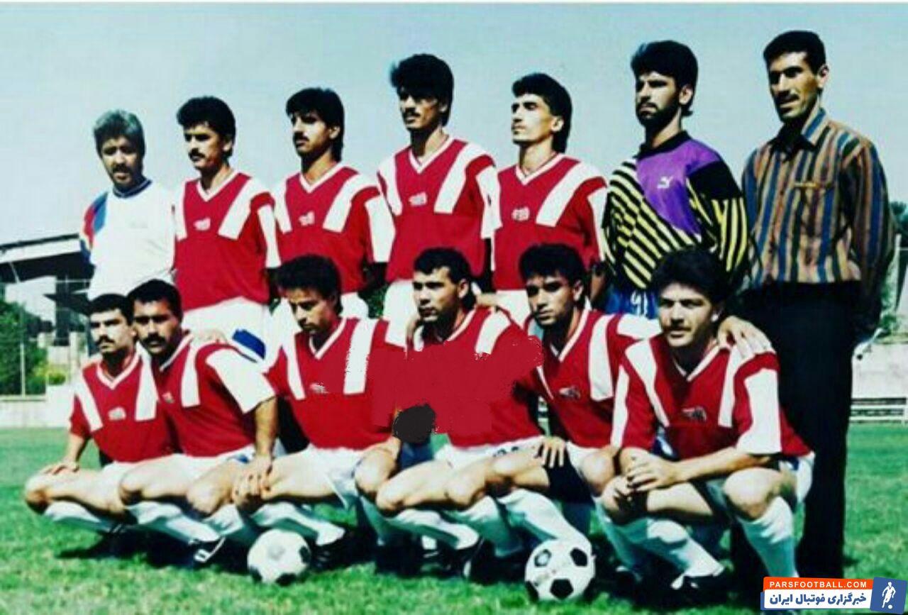 عکسی زیرخاکی و دیدنی از علی دایی در تیم زامیاد! فدراسیون تاریخ و آمار فوتبال ایران : علی دایی در سال ۶۹ مدتی برای تیم زامیاد بازی کرد.