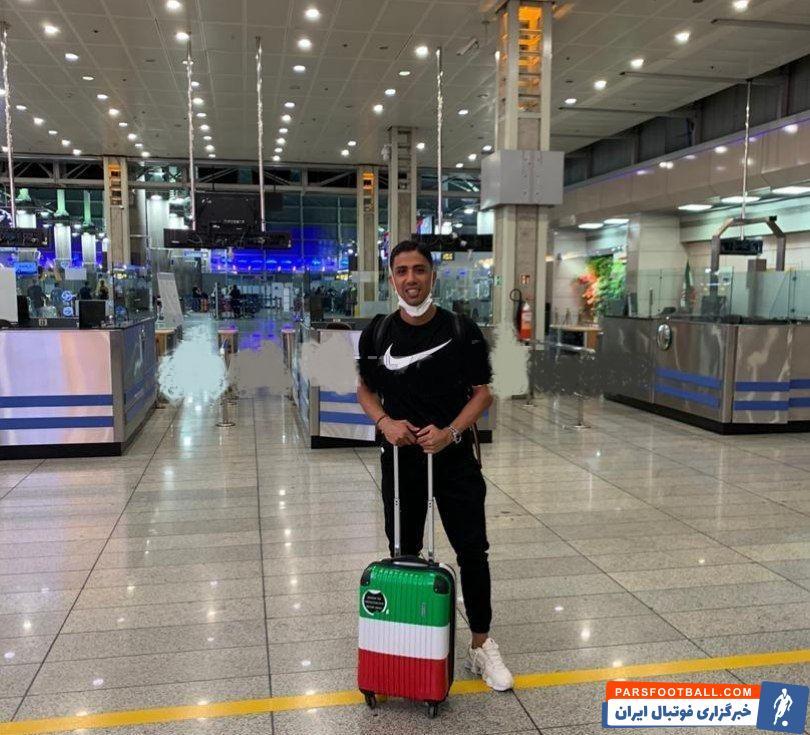حسین طیبی که روز چهارشنبه هفته جاری رسما توسط باشگاه بنفیکا پرتغال معارفه خواهد شد، دقایقی دیگر تهران را ترک خواهد کرد.