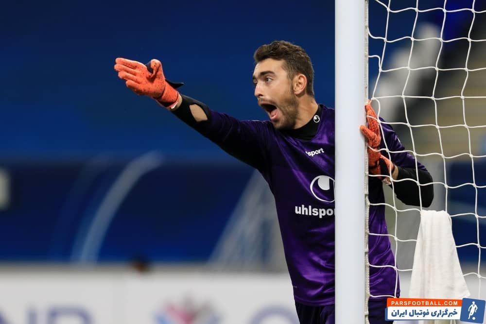 متین صفاییان دروازهبان در دومین بازی دوران حرفهای فوتبالش توانست امشب نمایش خوبی را مقابل شباب الاهلی عربستان به اجرا در آورد.