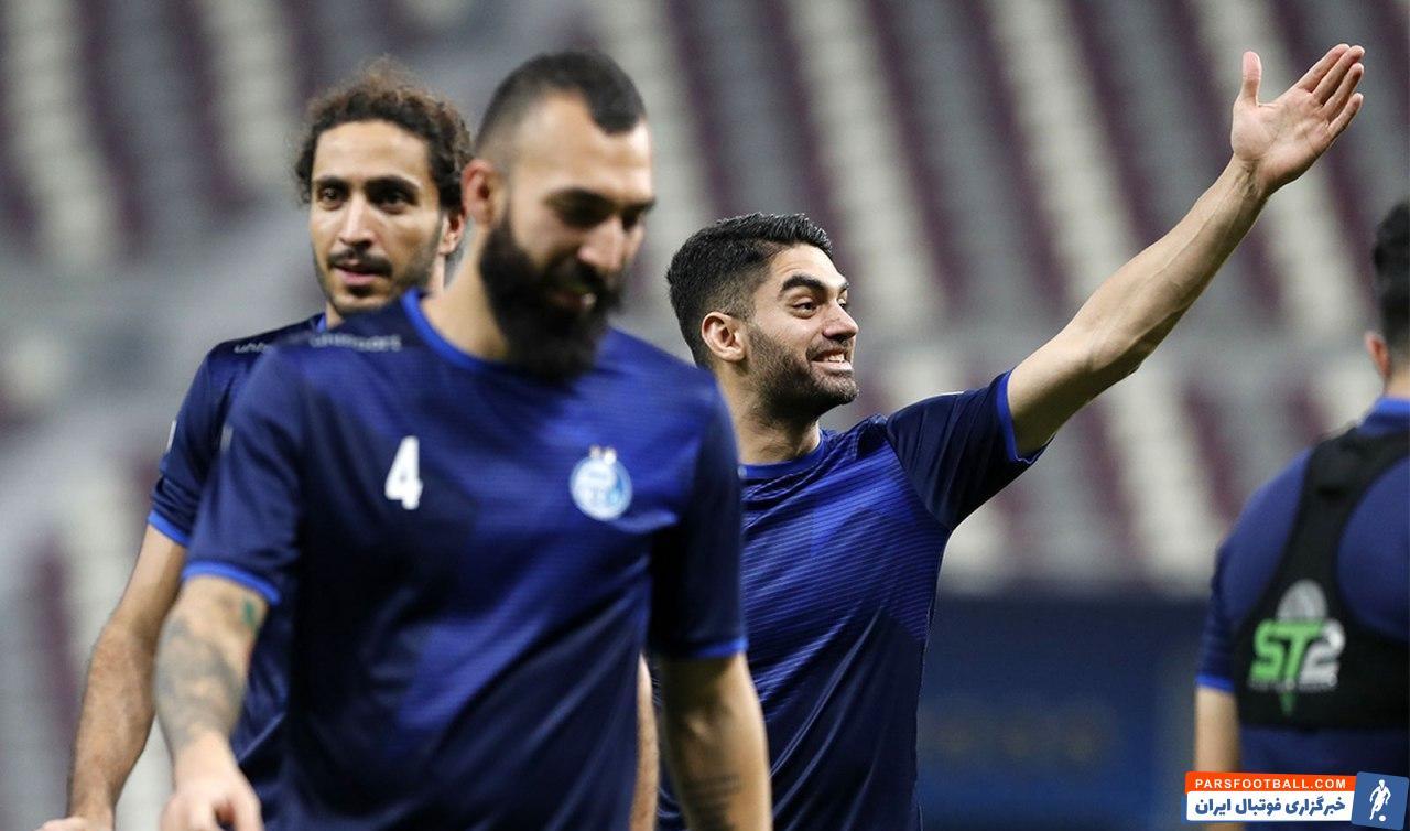 علی کریمی هافبک دفاعی استقلال پس از حضور در دوحه قطر و گذراندن تست کرونا، در تمرین دیشب آبیها حضور پیدا کرد.