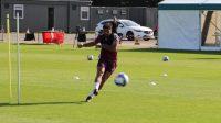 سامان قدوس خیلی زود در اولین جلسه تمرینی حضور پیدا کرد تا بتواند با آمادگی کامل در فصل جدید مسابقات چمپیونزشیپ حضور پیدا کند.